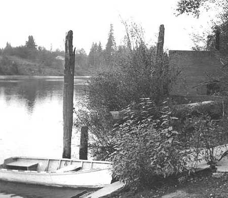 Butteville Landing in 1954 [Photo courtesy Oregon Historical Photo Collection, Salem Public Library]